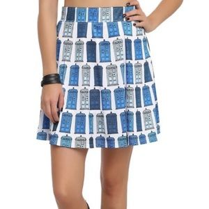 Dr. WHO Her universe Tardis Skirt Size medium